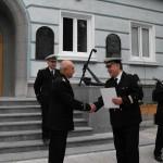 """Награждаване на кап. 1 р. доц. д-р Иванов - декан на Факултет """"Инженерен"""" от Министъра на отбраната"""